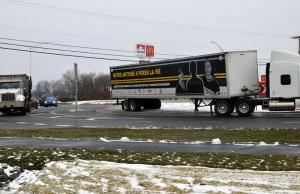 Sensibilisation à la sécurité routière dans le carrefour giratoire  sur la route 158 à Saint-Jacques